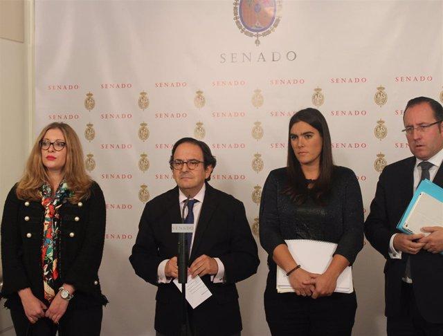 Luis Aznar y otros miembros del PP en la comisión de investigación de partidos