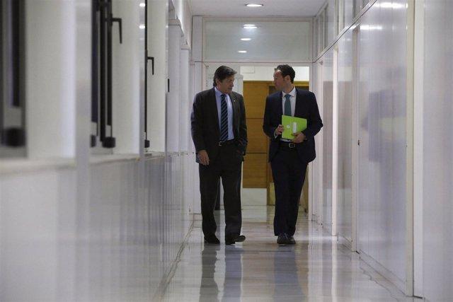 El presidente Javier Fernández y el consejero Guillermo Martínez