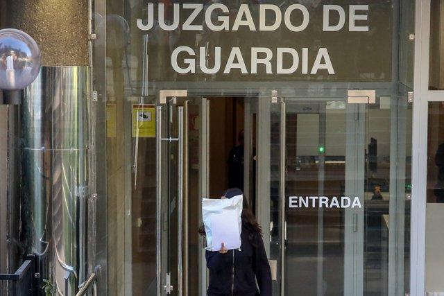 Concentración de la organización arran en los juzgados de Plaza de Castilla en apoyo a sus ocho militantes detenidos