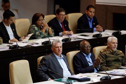 El presidente de Cuba cambia a los ministros de Finanzas y Transporte