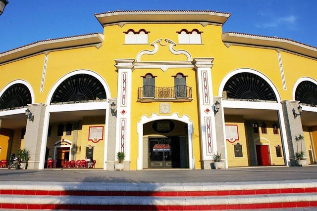Plaza de toros de Los Barrios (Cádiz)