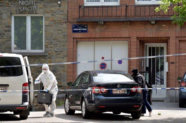 Registro en la vivienda del terrorista de Bruselas