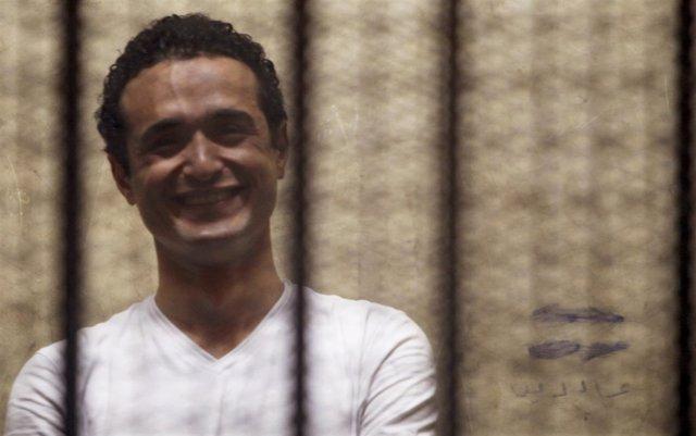 El activista Ahmed Duma durante el juicio contra él en Egipto