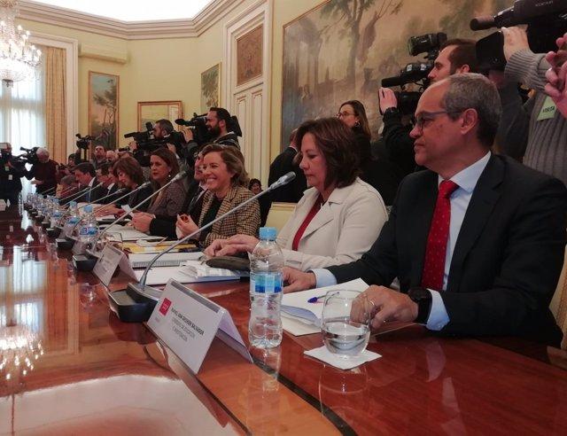 Adela Martínez-Cachá, asiste a la Conferencia de Educación