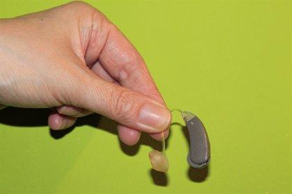 Un programa cubano de implantes cocleares devuelve la audición a cientos de personas