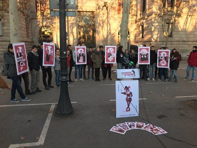 Arran presenta a Barcelona la seva campanya 'Estripem la baralla'