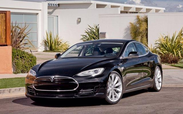 Tesla, demandada en EE.UU. por la muerte de un pasajero a causa de una batería 'defectuosa'
