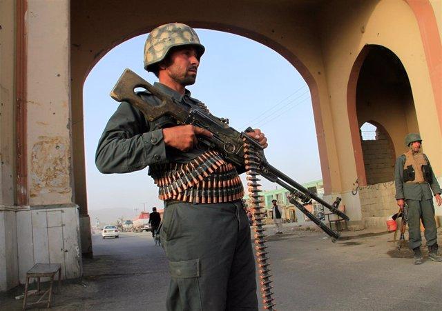 Policía en Ghazni