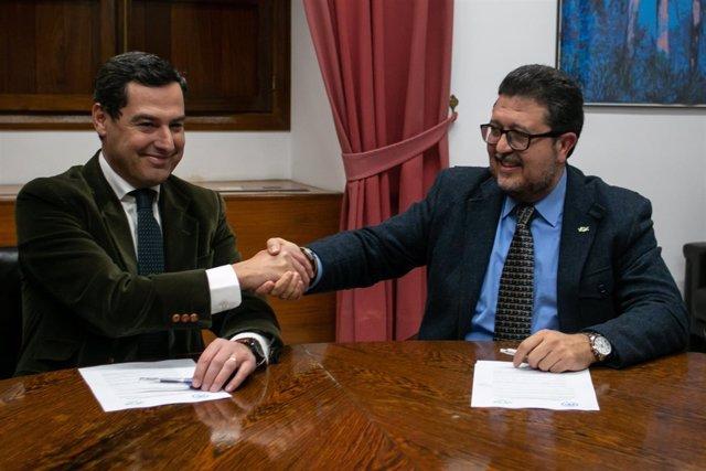 Juanma Moreno y Francisco Serrano sellan su acuerdo para la investidura