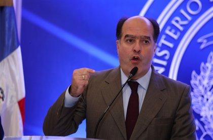 """El opositor Julio Borges dice que la Fuerza Armada es """"el último eslabón"""" para la salida de Maduro"""