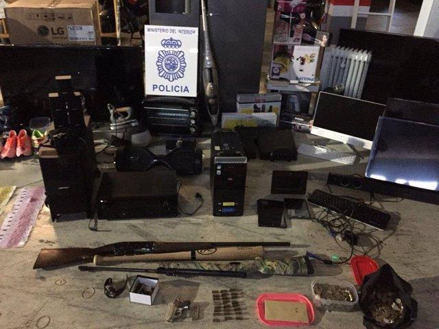 Efectes recuperats per la policia nacional CNP d'estafes a comerços