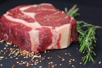 El hierro de las carnes y pescados se absorbe mejor que el de las legumbres y verduras
