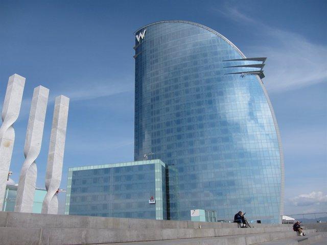 Hotel W de Barcelona, también conocido como Hotel Vela