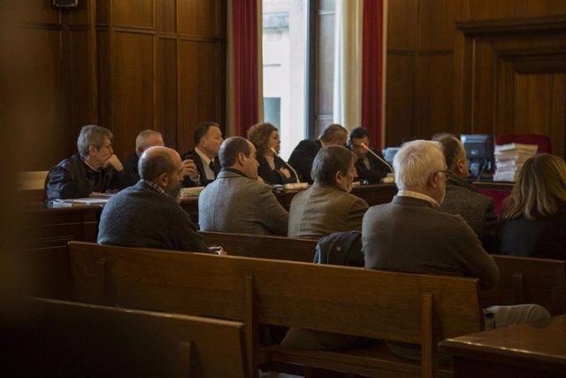 Primera sesión del juicio por los contratos fantasmas a Umax en la Audiencia