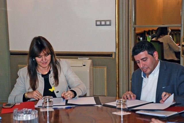 La consellera Laura Borràs i el director del CVC, Josep Lladós
