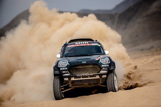 El piloto español Joan 'Nani' Roma (Mini), en el Dakar 2019