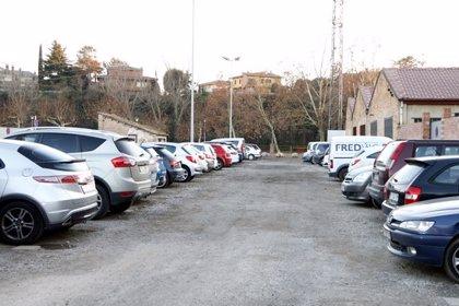 Manlleu dobla el servei de patrullatge per evitar atacs vandàlics als vehicles estacionats al carrer i als pàrquings municipals