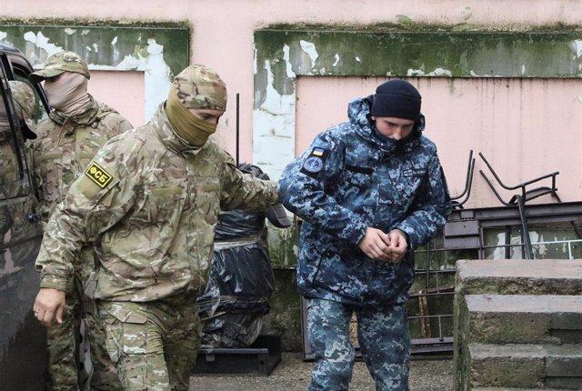 Marino ucraniano comparece en un tribunal de Crimea