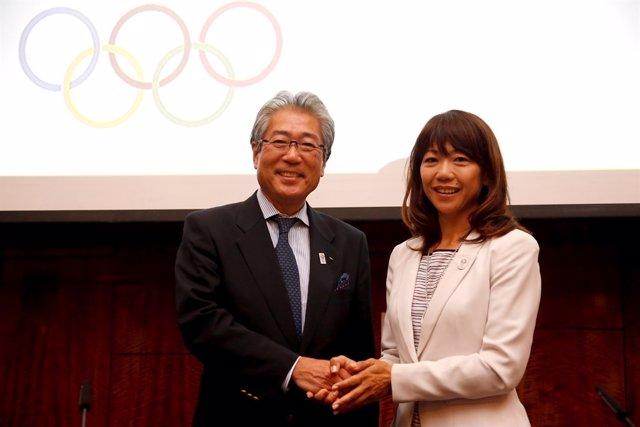 Tsunekazu Takeda y Naoko Takahashi