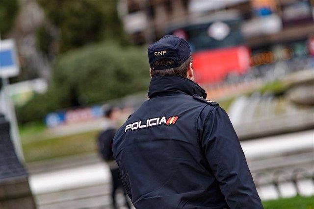 Agent de la Policia Nacional (arxiu)
