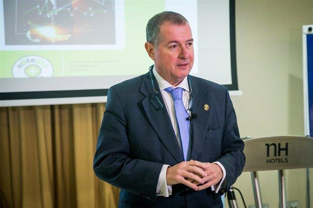 El presidente del Club Noteges, Jose Luis Jimeno, en rueda de prensa