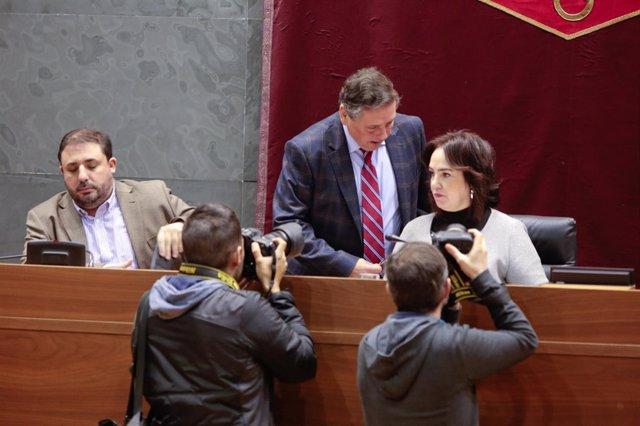 Ainhoa Aznárez, en el pleno del Parlamento de Navarra