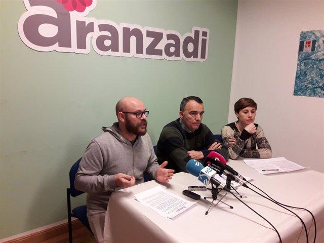 Los concejales de Aranzadi Armando Cuenca, Manuel Millera y Laura Berro.