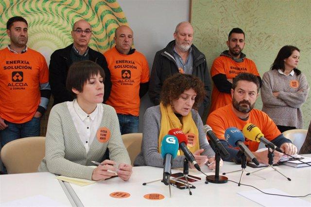 Rueda de prensa de traballadores de Alcoa con membros do BNG.