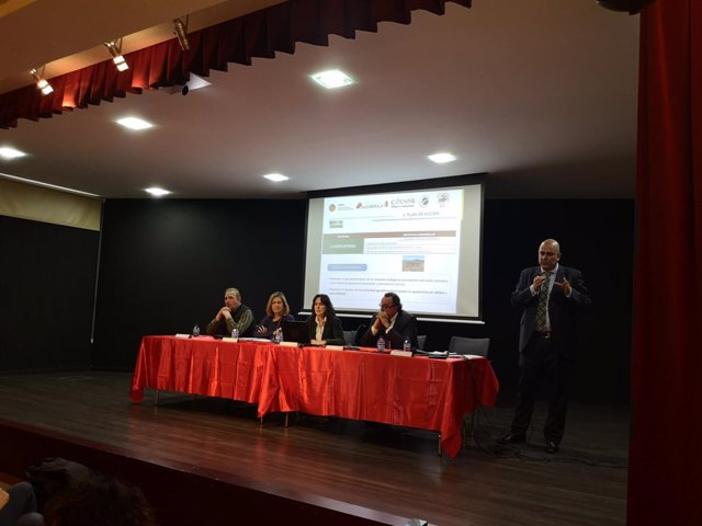 Del Olmo (C) en la presentación de la Estrategia de Garoña 11-1-2019