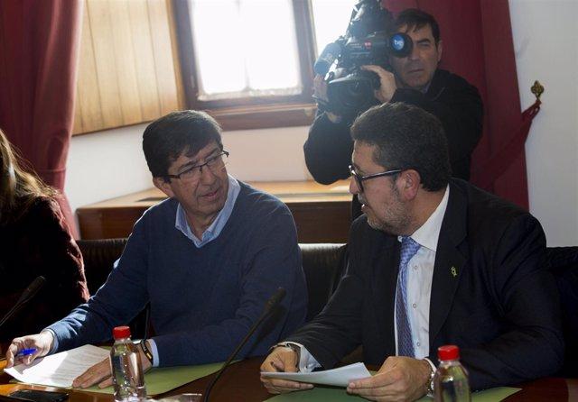 Juan Marín y Francisco Serrano, de Cs y Vox, durante la Junta de Portavoces
