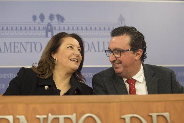 Carmen Crespo y Manuel Andrés González, del PP-A, en rueda de prensa