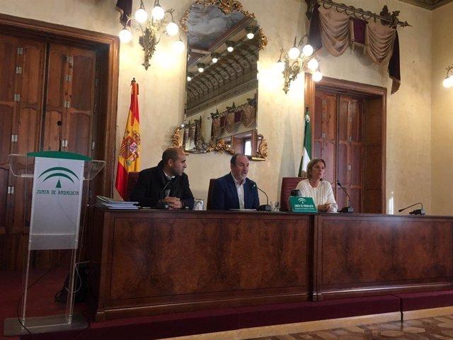 Ortiz Bono entrega las ayudas en un acto celebrado en Almería