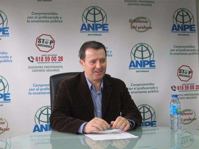 El presidente de ANPE-Asturias, Gumersindo Rodríguez.