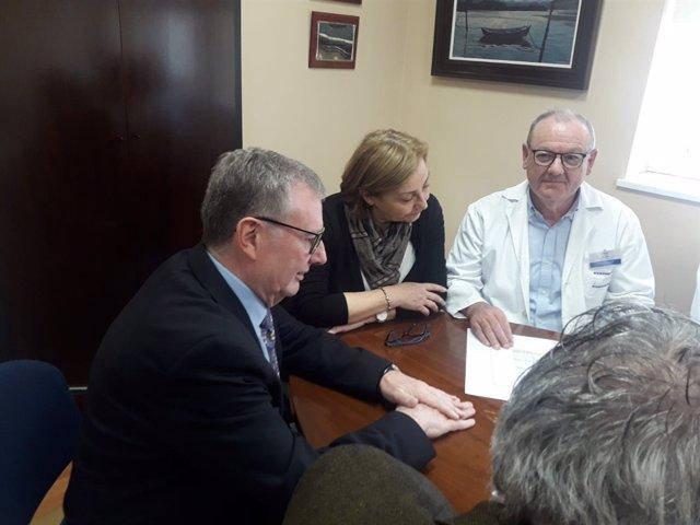 Francisco del Busto  reunión con la junta directiva del centro, y con la alcalde