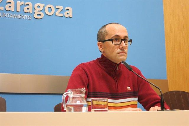 El consejero de Servicios Públicos de Zaragoza, Alberto Cubero