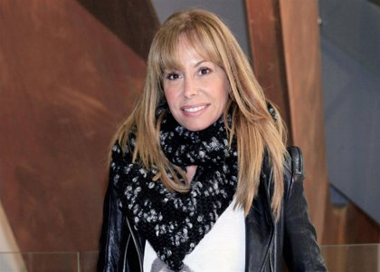 """Lara Dibildos indignada por sus 'fotos' con Hugo Castejón: """"Es una fiesta privada. Con eso lo digo todo"""""""