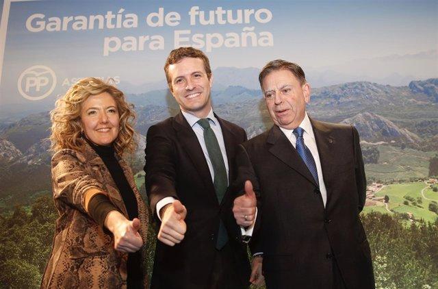 Teresa Mallada, Pablo Casado y Alfredo Canteli