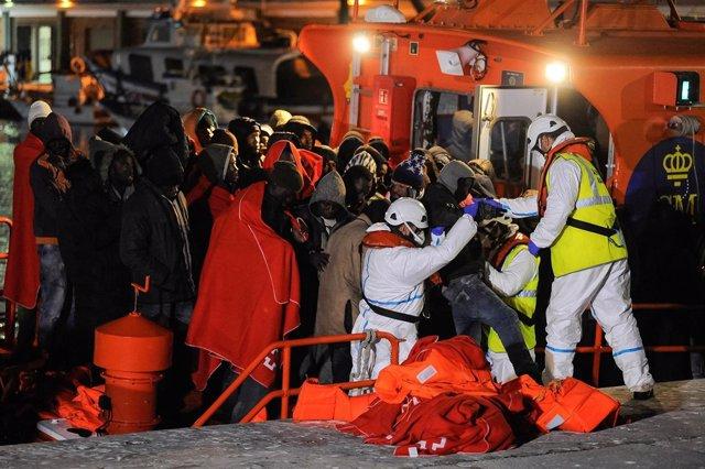Migrantes rescatados llegan a Málaga