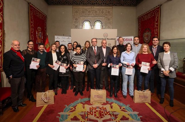 Foto de familia de los ganadores del certamen.