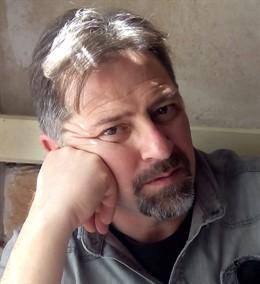 El escritor Vicent Enric Belda