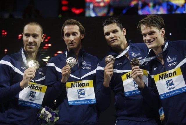 Francia reina en relevos 4x100 en una final de infarto