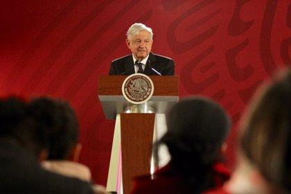 López Obrador lanza un programa de becas para jóvenes con 300.000 puesto de trabajo en México