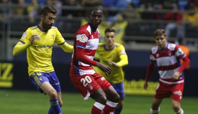 El Granada no subestima los empates en Cádiz