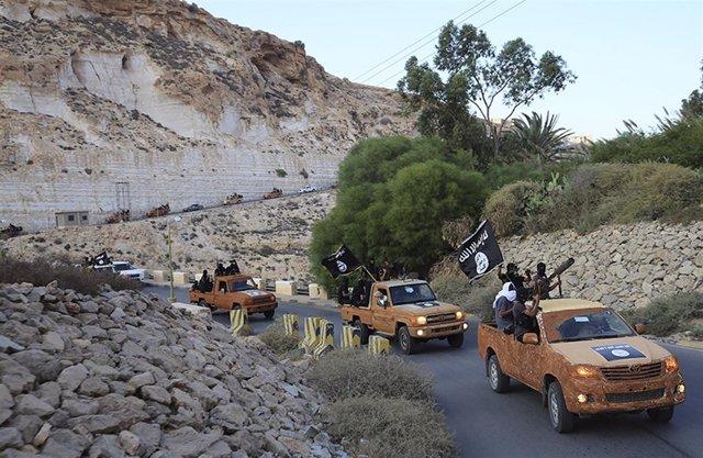 Milicianos del Consejo de la Shura de Jóvenes Islámicos.