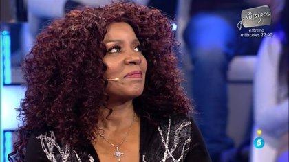 Gloria Gaynor emociona a Carlos Sobera en su visita a 'Volverte a ver'