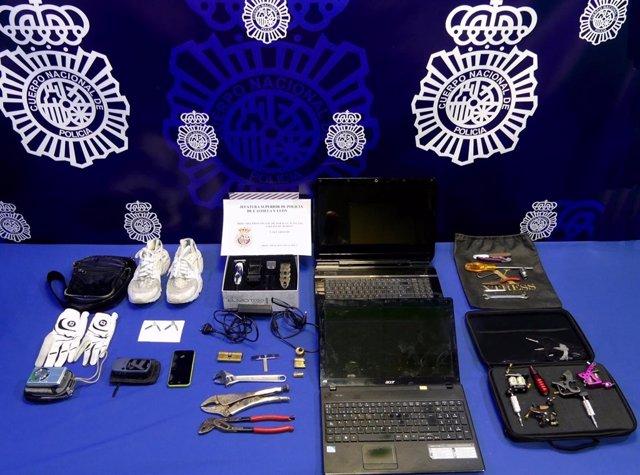 Valladolid.- Material ocupado al deteneido