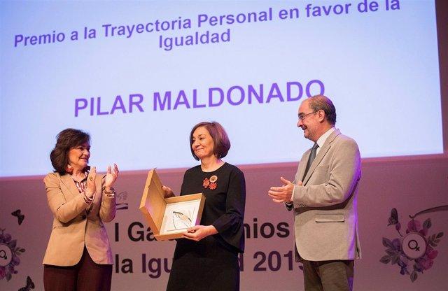 Pilar Maldonado, recibiendo el premio a la trayectoria profesional.
