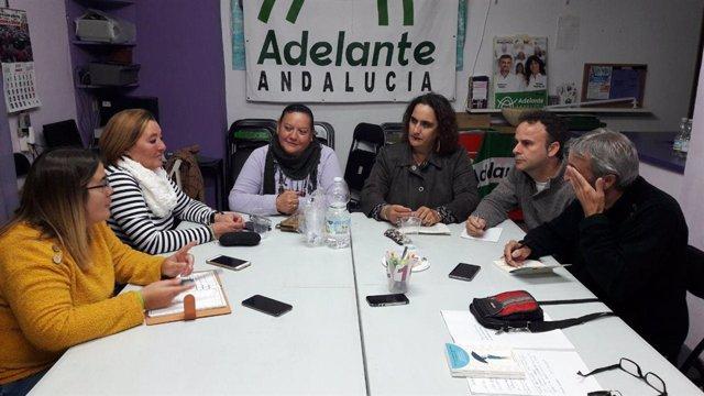 Reunión entre Aguilera y afectados por cierre de iDental