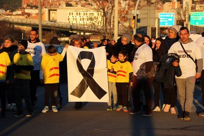 """Unes 200 persones es manifesten per exigir """"justícia"""" per a l'home mort a trets a Baró de Viver al desembre"""