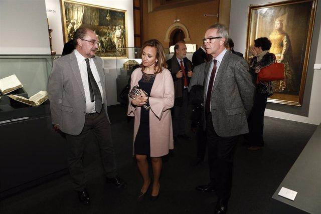 Visita de José Guirao a la exposición Panteones Reales en Zaragoza